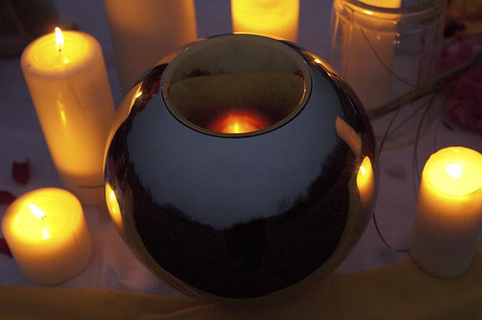 Sfera Urnen, Abschiedszeremonie Kerzen